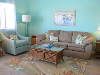 CMH111 Waterfront, Close to Schlitterbahn & Beach, 1st Floor, Boatslip, Fishing!, Corpus Christi