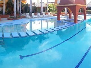 Poolside Villa in Beautiful Complex