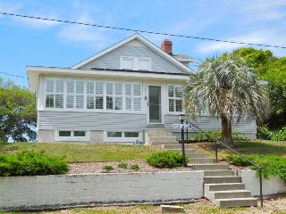About Time - Folly Beach, SC - 5 Beds BATHS: 3 Full