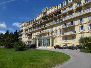 Large studio in elegant property 4 guests, beach, Cannes