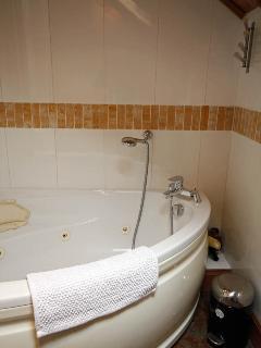 jaciuzzi bath
