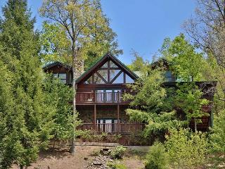 Screened-In Sun Porch, Two Decks, Hot Tub, Family Media Room, Game Room, Sevierville