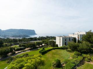 Superbe T4 vue mer à Cassis,  tennis et piscine