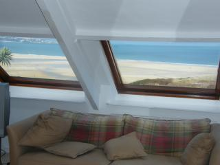 Bayfield - Large Holiday House - Stunning Views, Hayle