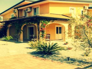 Pizzo Beach 3 Bedroom Villa 9V