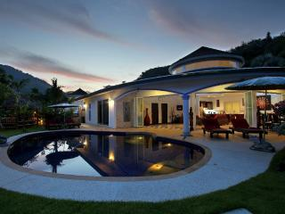 Luxurious Villa Eden with private pool and maid, Nai Thon
