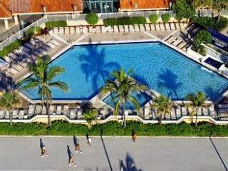 Hollywood Beach Resort - One Bedroom Nice Ocean View