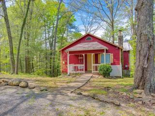 Spring Special from $99! 2BR Chalet Within Walking Distance to Gatlinburg