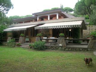 Tasteful Villa-part surrounded of  greenery, Castiglione Della Pescaia