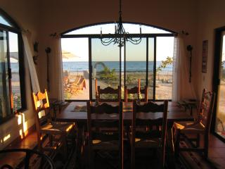 Dinning room with view of the sea