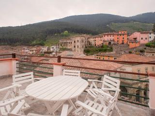 Girasole Pisa Lucca Florence Tuscany-Terrace, Buti