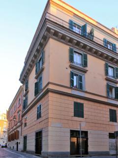 Our building (owned): 4 floors, 4 apts.: Moka Classic, Moka Pop and mok'houseB&B