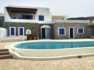 Excellent Villa with Pool at Mykono, Agios Ioannis Diakoftis