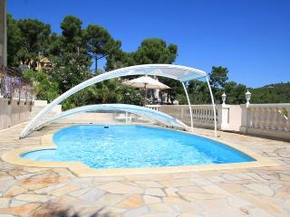 Rez-de-jardin dans villa piscine proche plage, Carry-le-Rouet