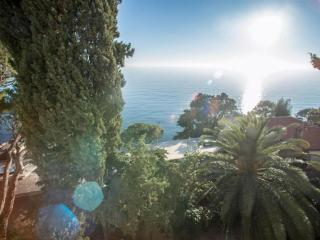 Condo with View of the Ligurian Sea, Sori