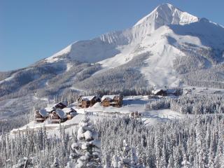 Cascade Ridge enjoys access to Big Sky Resort via private trails and lift access