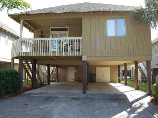 Lovely 3 Bedroom Summer Cottage Vacation Rental, Near the Beach, Myrtle Beach