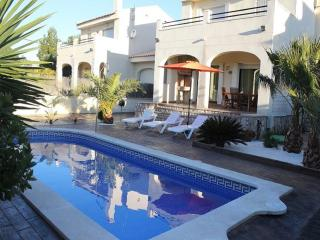 Beautiful Villa in urb. Tres Calas