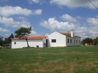 Casa dos Avos / Maison typique a15 minutes des plages, proche sites touristiques