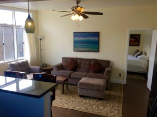 2bd/1ba Beach cottage walk to beaches and shops, San Clemente