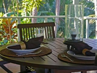 Outdoor Verandah Dining.
