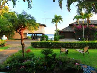 Baby Beach Bungalow, Oceanview, Steps to the sand!, Poipu