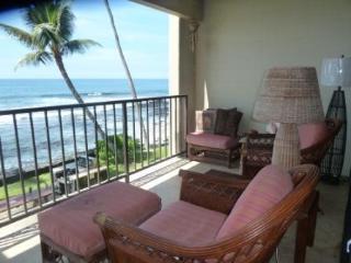 Direct Oceanfront Condo, Kailua-Kona
