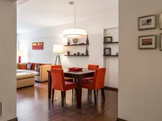 Spacious and Luminous 1 Bedroom Apartment in Recoleta, Buenos Aires