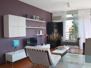 Modern 2 Bedroom Apartment with River Views in Belgrano, Buenos Aires
