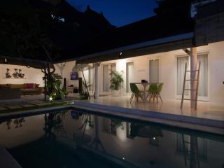 Villa Rumah Putih - Seminyak, Bali. 2 Bed Villa