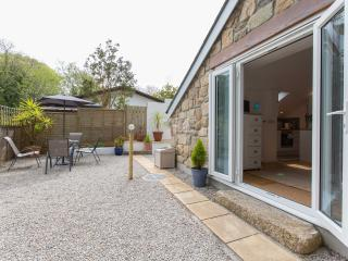 St Ives, Lelant Studio Cottage with private garden
