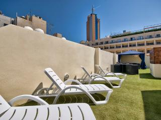 Cosy and Bright Paceville apartment, Saint Julian
