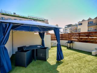 Charming, St Julians Apartment with roof terrace, San Julián