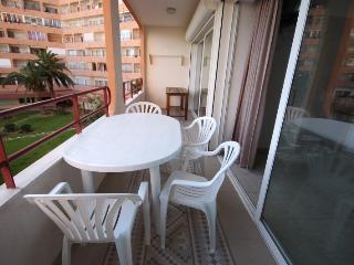 Apartamento con piscinas 0122