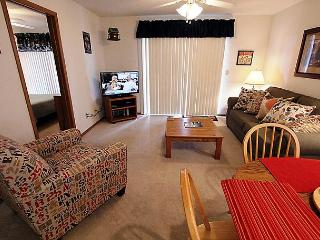 Lakeside Laziness- 2 Bedroom, 2 Bath, Pet Friendly Condo near SDC, Branson