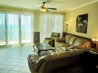 Gorgeous Re-Furnished 2 BR / 2 BA Condo With Fabulous Beach Views, Gulfport