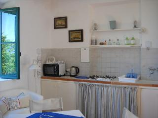 A beautiful house for 4 persons in Circeo pino