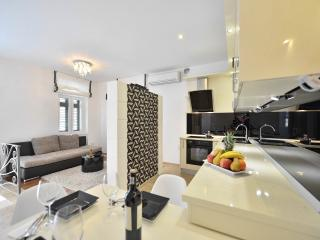 Premium Apartment ALBA ROSA ****, Split
