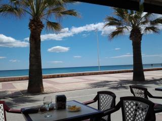 En a 5 mn de la Playa  centro de El Campello
