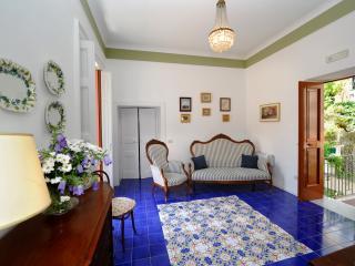 """Elegant """"Apartment Stefania"""" Amalfi town centre"""