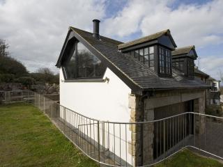*Luxury* *DISCOUNTED* 4 bed home St Ives with parking, garden, balcony!