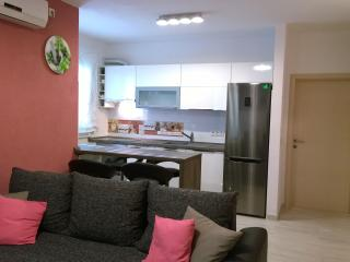 4**** New Apartment Tino, Stomorska