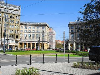 1 BR Apartment Plac Zbawiciela 3, Varsovia