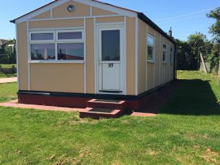 A stunning 2 bed chalet in leysdown, Leysdown-on-Sea