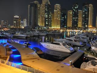 Dubai Marina waterside accommodation