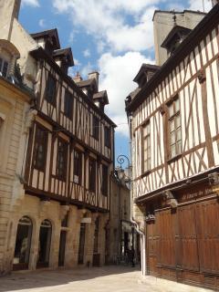 Rue Amiral Roussin à 100m