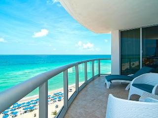JAN/FEB SPECIALS 2BR Oceanfront w/Balcony & Kitchen, Sunny Isles Beach