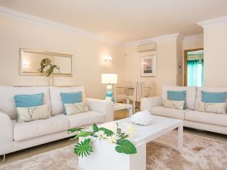 Bop Black Apartment, Quinta do Lago, Algarve