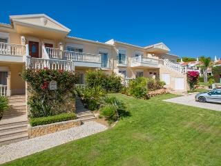 Bop White Apartment, Quinta do Lago, Algarve