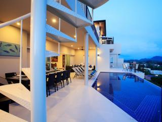 TURQUOISE: 9 bedroom Seaview, Private Pool Villa, Nai Harn